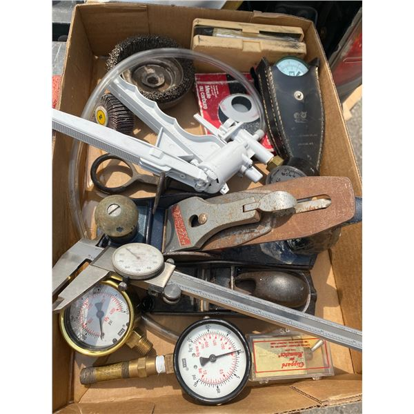 Lot gauges and planes