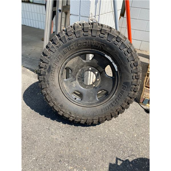 Tire on rim 35x12.50R18LT
