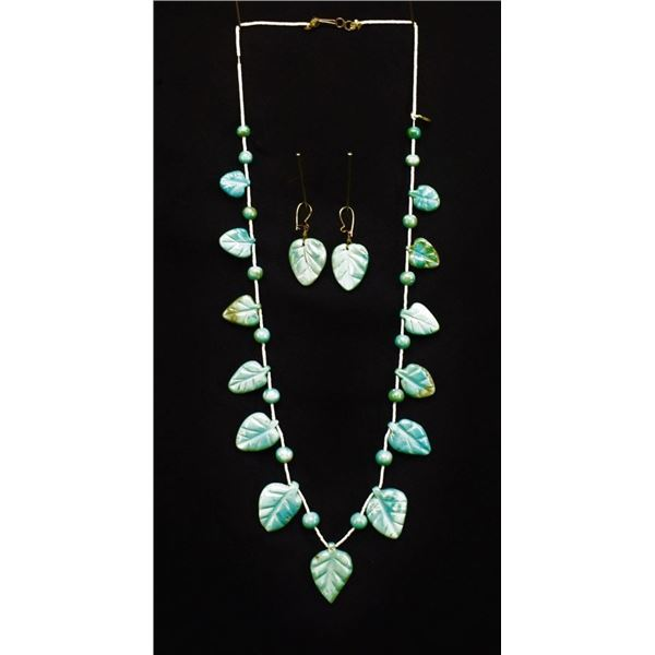 PUEBLO INDIAN TURQUOISE NECKLACE AND EARRINGS