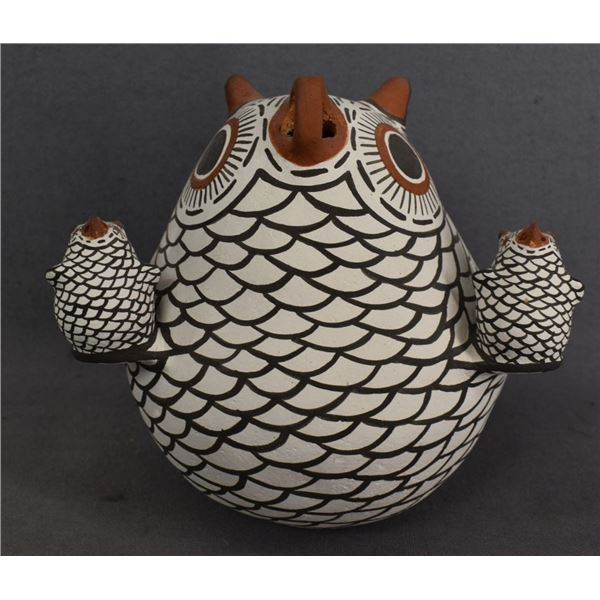 ZUNI INDIAN POTTERY OWL (ERMA KALESTEWA HOMER)