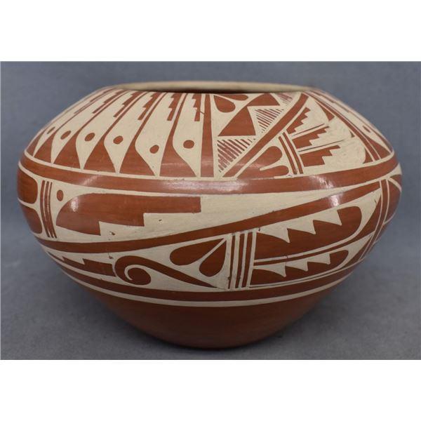 JEMEZ INDIAN POTTERY BOWL ( GERALDINE SANDIA)