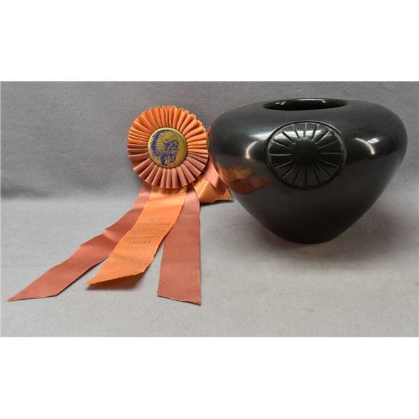 SANTA CLARA INDIAN POTTERY JAR (SUSAN ROLLER)