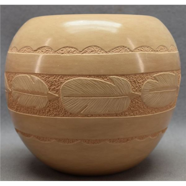 JEMEZ INDIAN POTTERY JAR (ELSTON AND DENA YEPA)