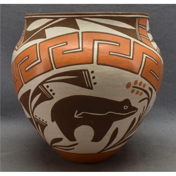 ACOMA INDIAN POTTERY JAR (LORETTA JOE)