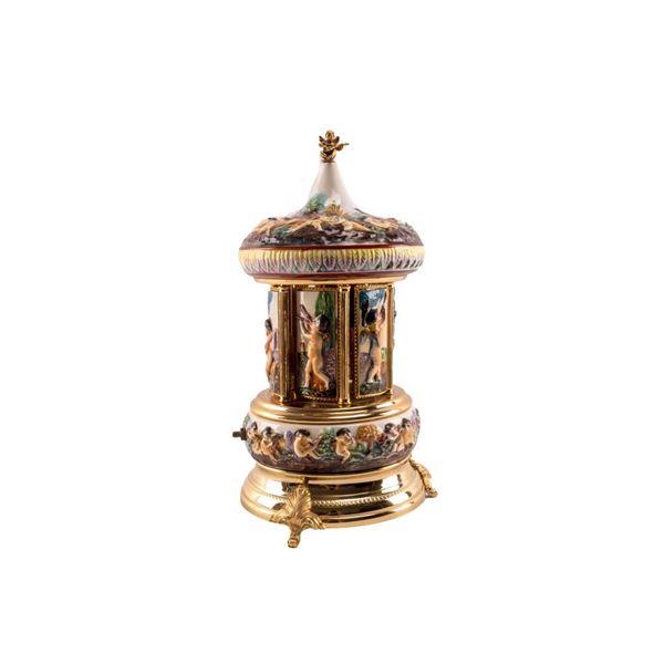 R. Capodimonte Cherub Porcelain Cigar Carousel