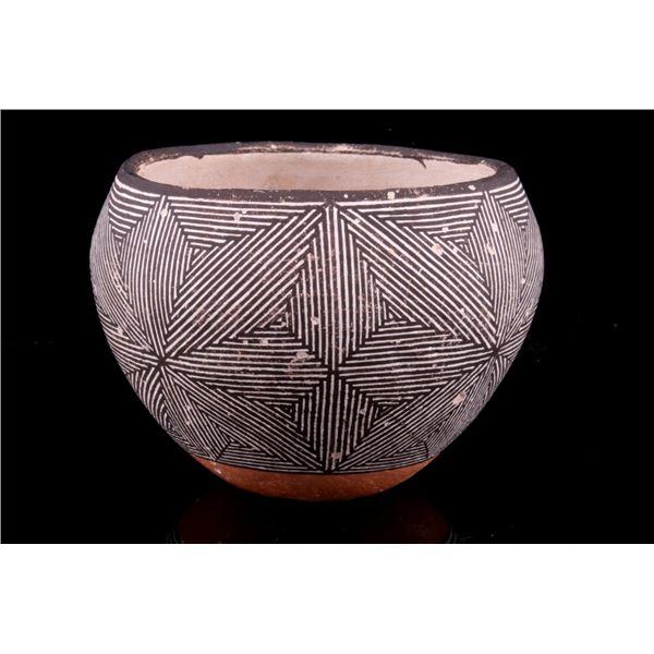 Acoma, Pueblo Sarah Garcia Pottery Vessel
