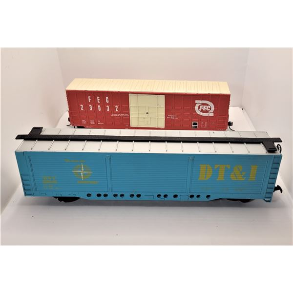 35)  LOT OF 2 HO GUAGE VINTAGE MODEL RAIL BOX