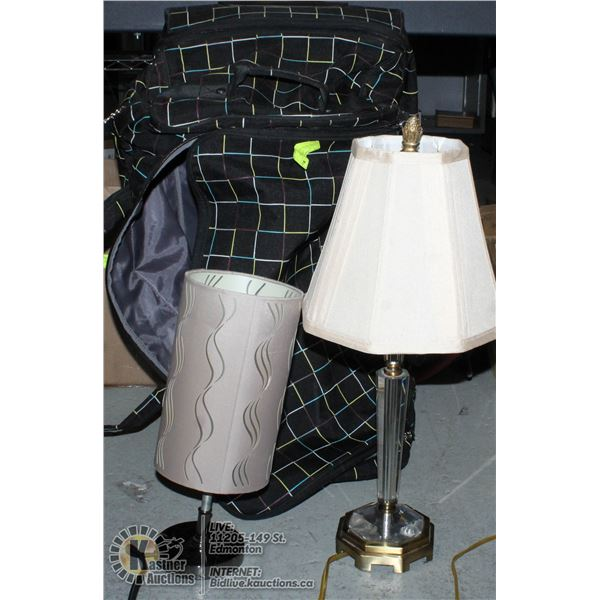 1 LAMP WITH TRAVEL CASE