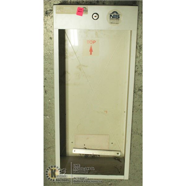 UNCLAIMED NEW FRONT GLASS WALL MOUNT FIRE EXT CASE