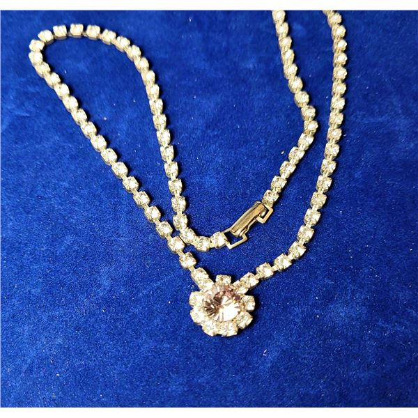 10)  VINTAGE CLEAR RHINESTONE NECKLACE WITH