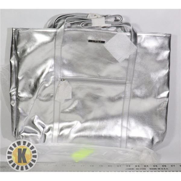 1 CLINIQUE FASHION LUGGAGE BAG