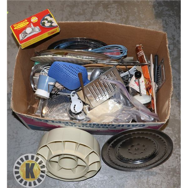 BOX OF MANY ASSORTED KITCHEN SUPPLIES