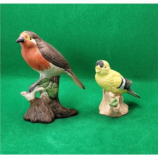 20)  LOT OF 2 VINTAGE PORCELAIN BIRD SCULPTURES.