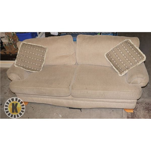 """ESTATE COUCH 77"""" BY 28"""""""