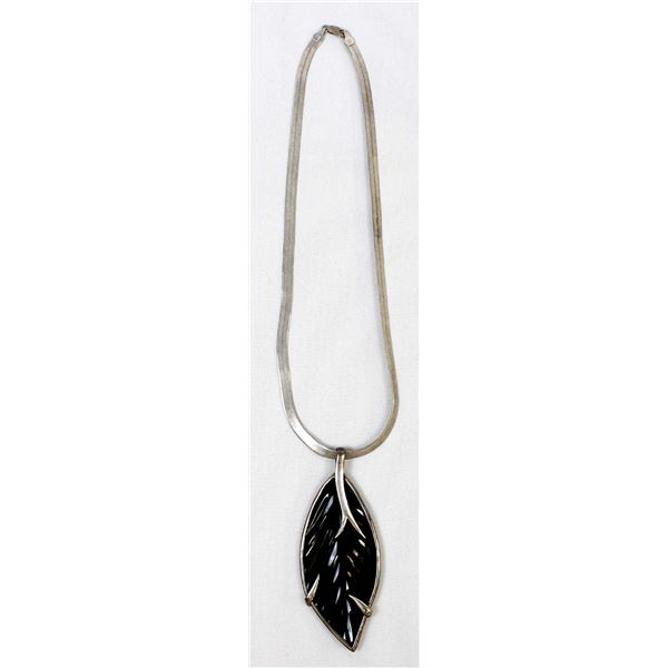 Vintage Art Deco Leaf Pendant Necklace