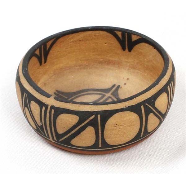 Santo Domingo Pottery Bowl by F. Pararito