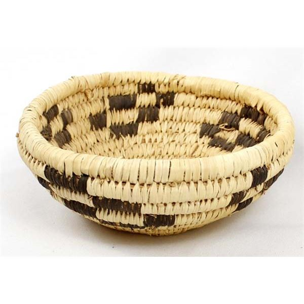 Traditional Tohono O'odham Coyote Tracks Basket