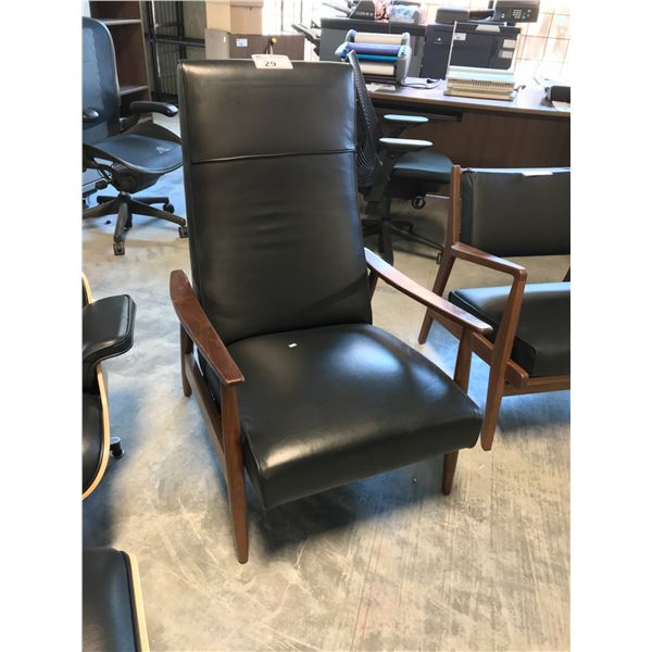 BLACK LEATHER MILO BAUGHMAN RECLINER SUGGESTED RETAIL PRICE $3995 US