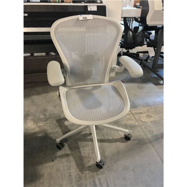 MINERAL GREY HERMAN MILLER AERON FULLY ADJUSTABLE TASK CHAIR WITH LEATHER ARM RESTS (SIZE B)