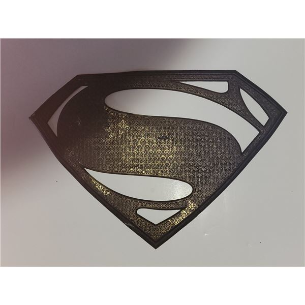 Russell Crowe Screen Worn Superman Chest Insignia