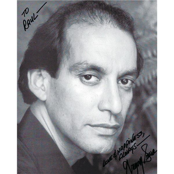 Barney Millers Gregory Sierra signed photo
