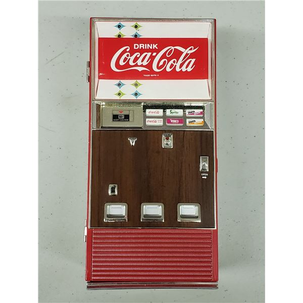 COCA COLA DRINK MACHINE COIN COLLECTOR THAT PLAYS MUSIC WHEN OPENED