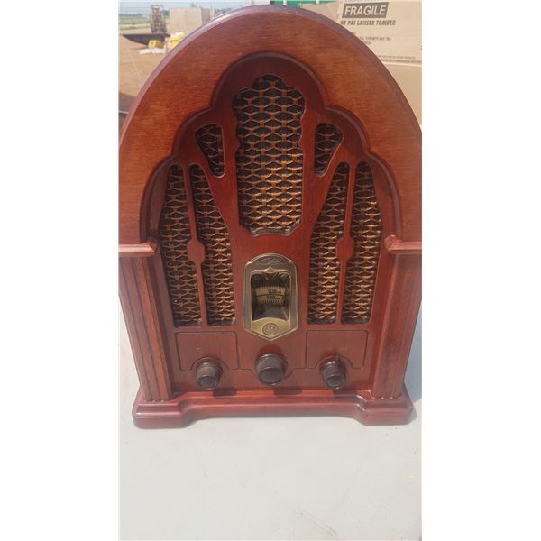 Old style Radio (reproduction) nice condition