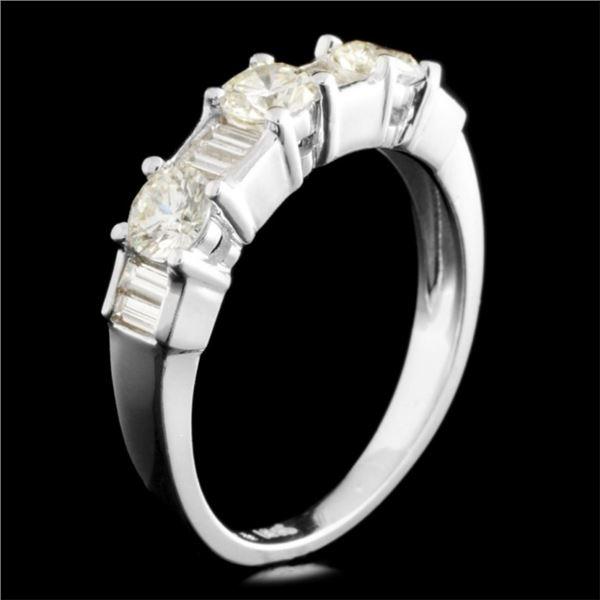18K Gold 0.95ctw Diamond Ring
