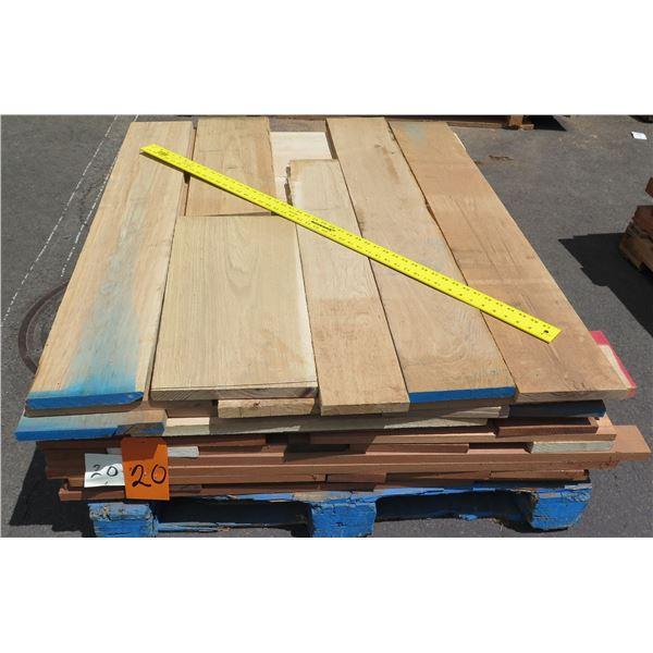 Pallet 4/4 Mix Mahogany, Oak, Accoya 40 x48 x20 H