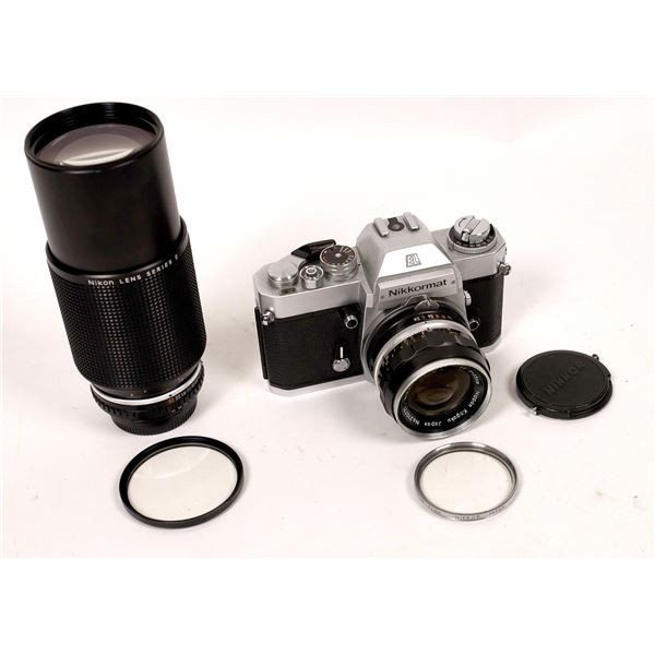 Nikkormat Camera with Nikkor-S Auto 1:2.8 F35mm Lens  [137560]