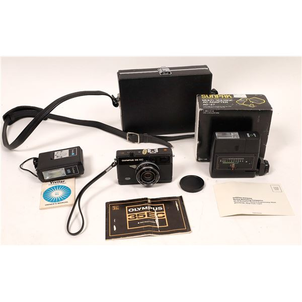 Olympus 35 EC Compact Camera Plus Sunpak Flash  [137557]