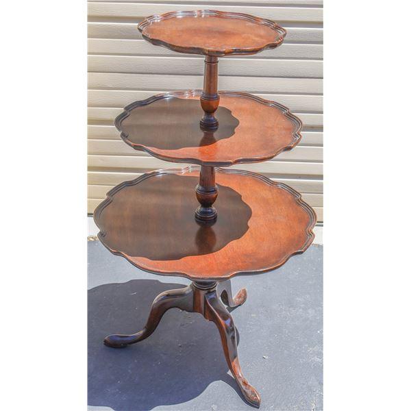 Three Tiered Pie Crust Table  [135049]