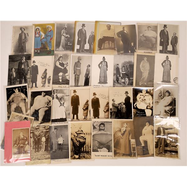 Circus Giant Postcard Collection  [137580]