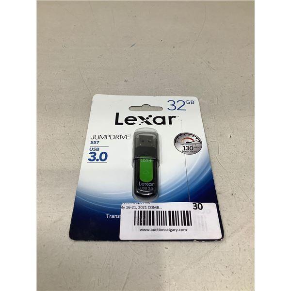 Lexar32 GB Jumpdrive