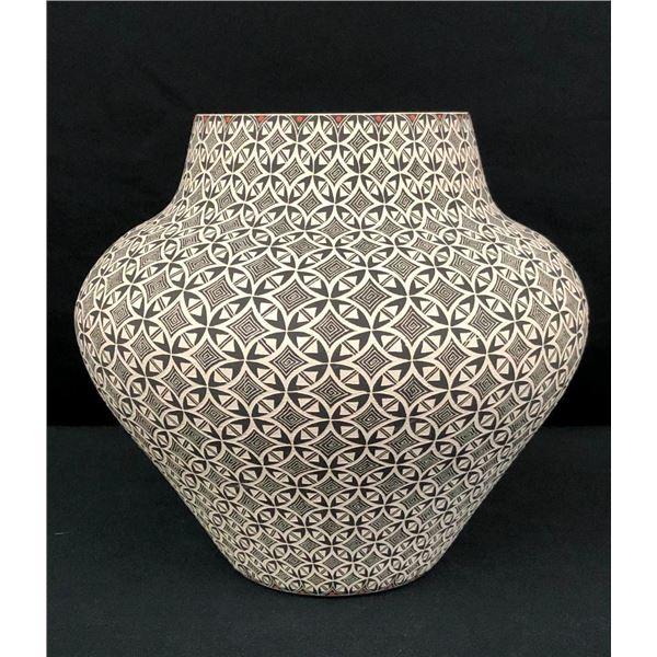 Fine Acoma Pot - Nathaniel Vallo