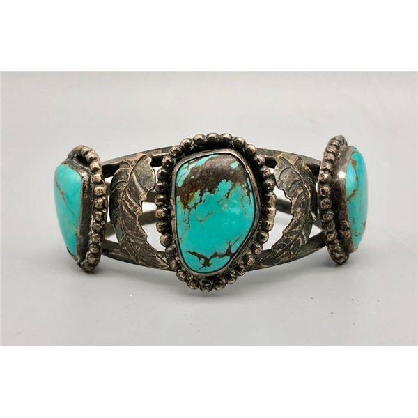 Lovely Vintage Three Stone Turquoise Bracelet