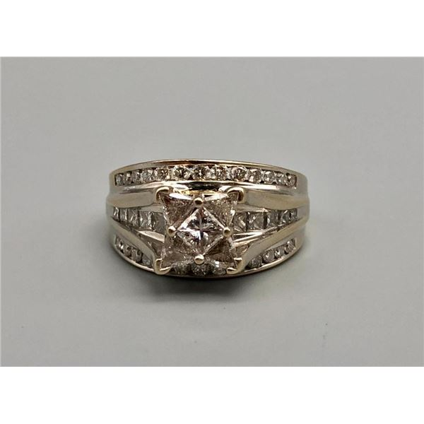 18k White Gold and Approx 2ct Diamond Ring