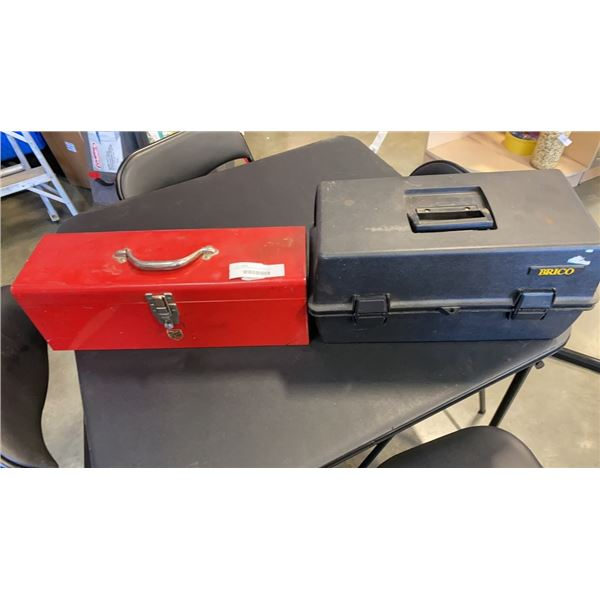 BRICO AND BEACH TOOLBOXES WITH CONTENTS, HAND TOOLS