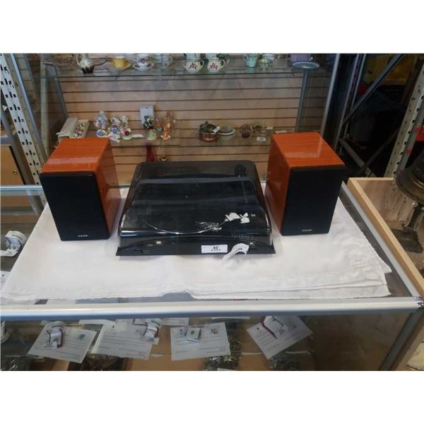 ION PROFILE LP RECORD PLAYER AND PAIR OF TEAC SPEAKERS