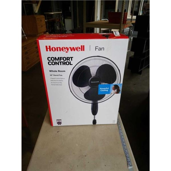 AS NEW HONEYWELL COMFORT CONTROL 16 INCH WHOLE ROOM STAND FAN TESTED WORKING
