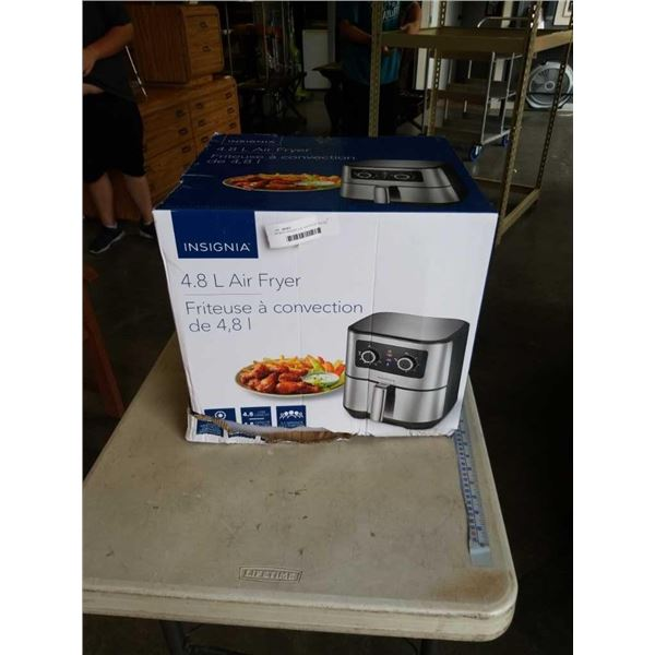 AS NEW INSIGNIA 4.8L AIR FRYER TESTED WORKING