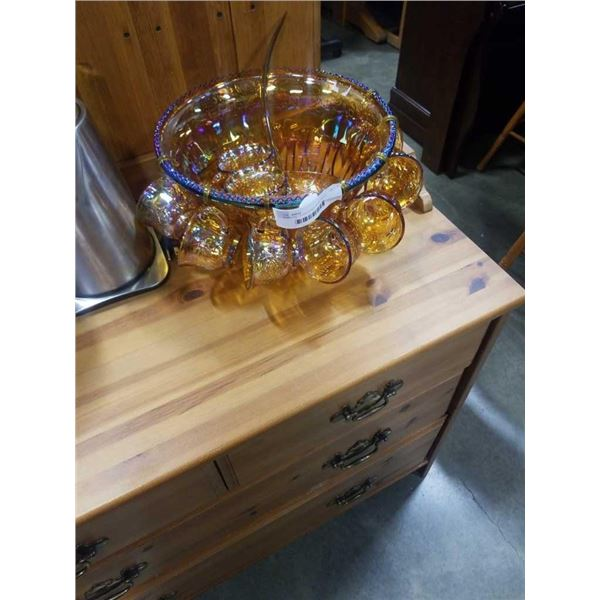 CARNIVAL GLASS PUNCH BOWL WITH GLASSES