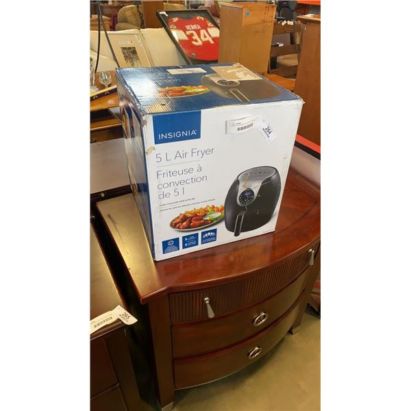 AS NEW INSIGNIA 5L AIR FRYER TESTED WORKING