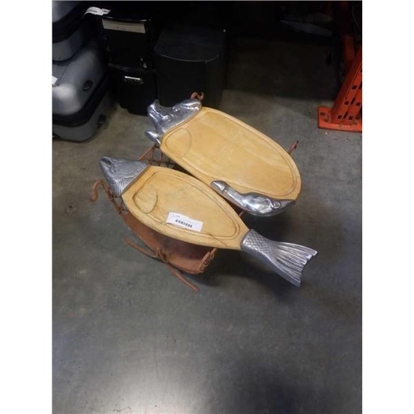 PIG AND FISH CUTTING BOARDS AND LOG HOLDER