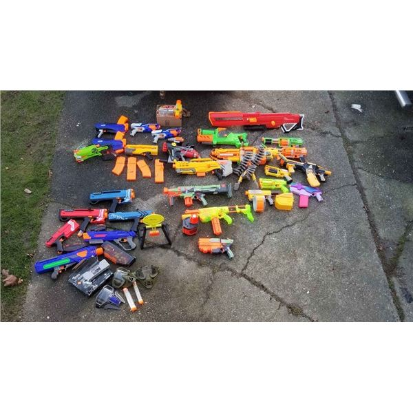 Large lot of nerf guns all are working over $1000 retail