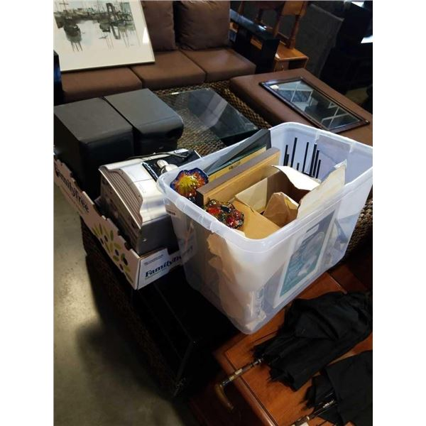 STEREO AND TOTE OF ESTATE GOODS