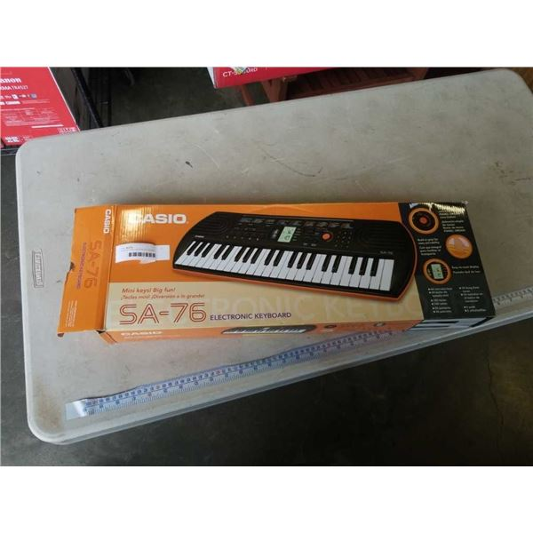 AS NEW CASIO SA-76 ELECTRONIC KEYBOARD TESTED WORKING