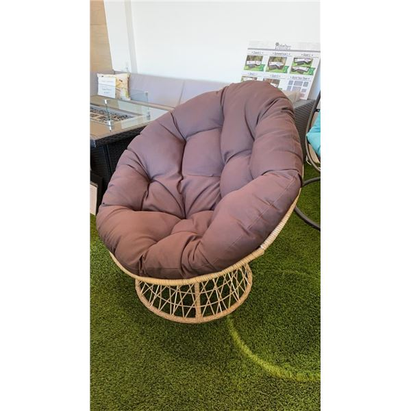 BRAND NEW OUTDOOR SWIVEL CHAIR