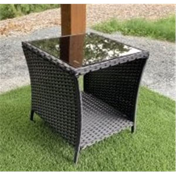 BRAND NEW OUTDOOR WICKER AND GLASS TOP SIDE TABLE - RETAIL $159