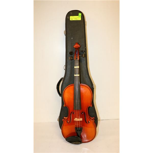 KARL HOFNER VIOLIN WITH CASE AND BOW
